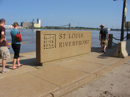 157-riverfront-sign.jpg