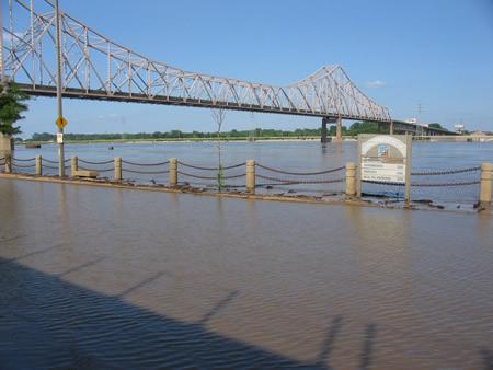 158-riverfront.jpg