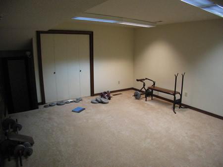 075-weightroom