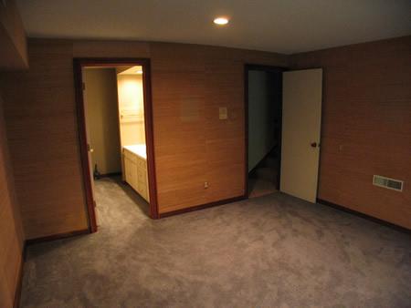 073-lowerbedroom